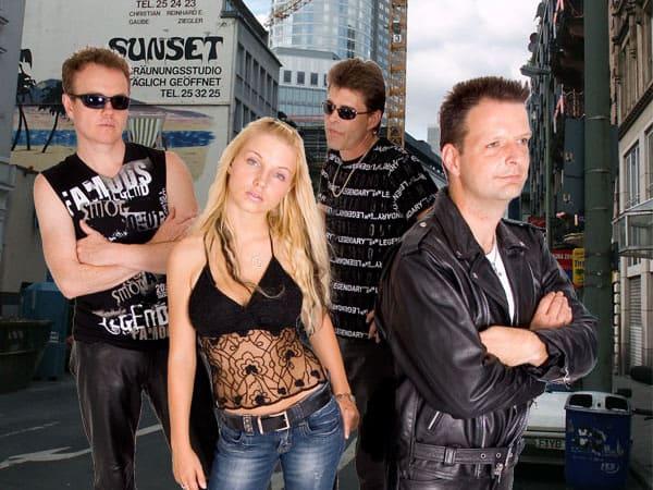 Drei Musiker + Sängerin - die Standardbesetzung der Schlagerband Luna